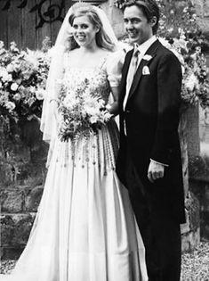 Royal Wedding Gowns, Royal Weddings, Wedding Bride, Wedding Dresses, Princess Beatrice Wedding, Princess Eugenie, Princesa Beatrice, Royal Family Trees, Eugenie Of York