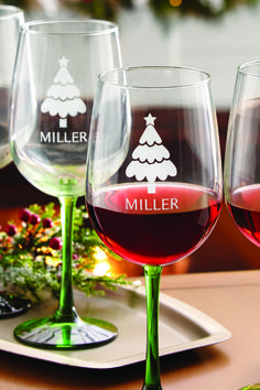 Perfect gift idea for the friend who loves to host wine night. Or a host/hostess gift for holiday parties you're invited to. What about as a gift for the couple having a winter wedding? This personalized Holiday Cheer Wine Set is a cute, thoughtful gift for lots of different occasions.