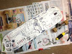 Peter Parker's skate board in The Amazing SpiderMan Spiderman Movie, Amazing Spiderman, Andrew Garfield Spiderman, Longboard Design, Marvel Drawings, Skate Board, Spider Verse, Henry Cavill, Bucky