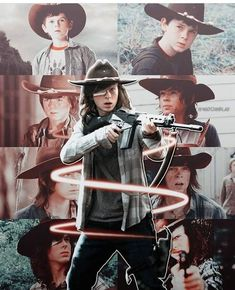 Carl Grimes ~ from a young, unexperienced boy into a badass man Walking Dead Coral, Carl The Walking Dead, Walking Dead Show, Walking Dead Memes, Chandler Riggs, Carl Grimes, Steve Rogers, Carl And Enid, Walking Dead Wallpaper