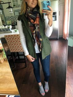 green vest with blanket scarf! Vest Outfits, Casual Outfits, Cute Outfits, Fashion Outfits, Army Vest Outfit, Classy Fall Outfits, Fall Winter Outfits, Autumn Winter Fashion, Olive Vest