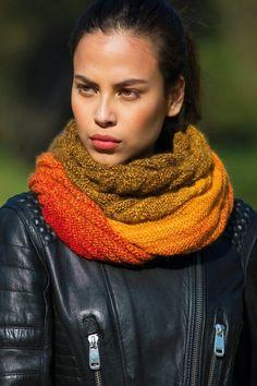 Shoulder scarf in accordion pattern – free knitting instructions – Best Knitting 2020 Knitting Socks, Free Knitting, Shawl Patterns, Knitting Patterns, Patterned Socks, Knit Crochet, Chrochet, Free Pattern, Clothes