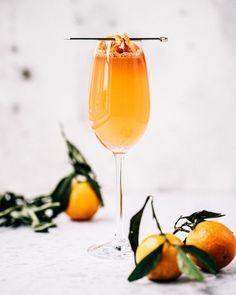 Je dédie cette recette à toutes les futures et nouvelles maman qui ne peuvent pas boire d'alcool pendant le temps des fêtes. À servir obligatoirement dans une coupe à champagne, puisque ça devient automatiquement plus festif!