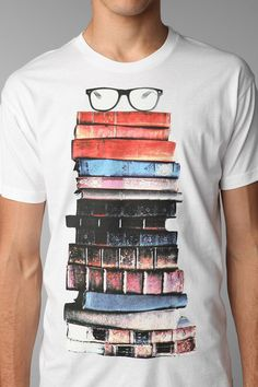 I so need this shirt.>>> Did anyone else realize its a GUY wearing a book shirt? I need the shirt and the guy lol #friki #hipster #camiseta #camisetaes