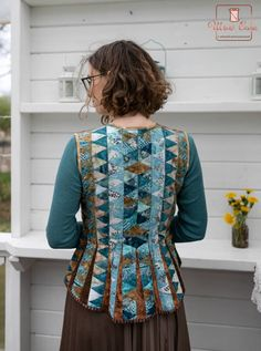 Quilted Clothes, Sewing Clothes, Crazy Outfits, Patchwork Dress, Quilted Jacket, Refashion, Fashion Details, Dressmaking, Clothing Patterns