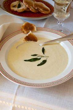 Carolyne Roehm's Creamy Corn Soup Recipe <3 by catherine