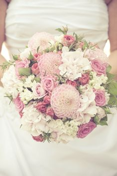 Wedding Bouquet And Flowers Ideas - Take A Look Our Best Wedding Flowers & Bouquet Ideas To Obtain Inspirations For Your Wedding.