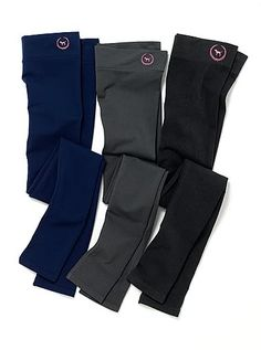 Victorias secret yoga pants... I really like the gray!