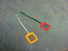 Dollhouse Miniature Furniture - Tutorials | 1 inch minis: How to make a 1 inch scale fly swatter
