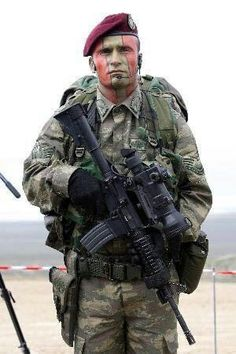 Turkish Military, Turkish Army, Military Special Forces, Military Police, Turkish Soldiers, Man Of War, Police Uniforms, Us Coast Guard, Green Beret