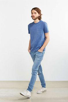 ネイビーポケットTシャツ×ジーンズ×オールスター白