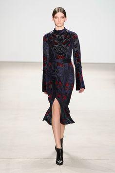 Yigal Azrouël at New York Fashion Week Fall 2016 - Runway Photos