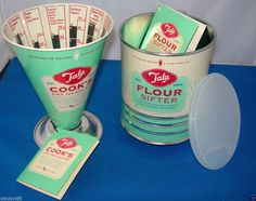 TALA 1950 s RETRO VINTAGE OLD STYLE COOKS BAKING MEASURE SCALES & FLOUR SIFTER
