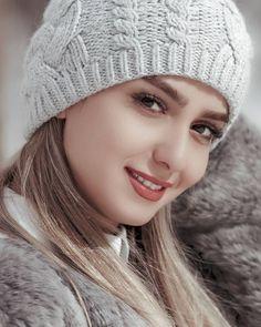Top 10 Most Beautiful Eyes Female Celebrities - WondersList Beautiful Blonde Girl, Beautiful Girl Photo, Beautiful Girl Indian, Beautiful Muslim Women, Beautiful Hijab, Beautiful Smile, Cute Beauty, Beauty Full Girl, Beauty Women