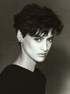 La beauté androgyne d'Ines de la Fressange. (Tried and true:my go to standard since 1986, but longer bangs.)