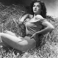 Jane Russell ★ Gallery of Vintage Movie Star P!nups: Yank Magazine pin-up girl Jane Russell; Copyright free pubic domain photographs, vintage pictures of this beautiful famous celebrity as well a short Jane Russell biography, informati Hollywood Icons, Old Hollywood Glamour, Golden Age Of Hollywood, Vintage Hollywood, Old Hollywood Stars, Hollywood Divas, Old Hollywood Movies, Hollywood Glamour Photography, Old Hollywood Actresses