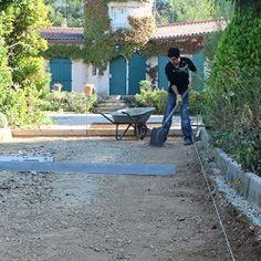 Combler les ornières Stone Garden Paths, Garden Stones, Concrete Patio Designs, Sidewalk, Garage, Construction, Outdoor Decor, Home, Patience