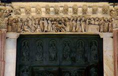 Siena, Piazza del Duomo, Duomo Santa Maria Assunta, Architrav des Hauptportals (main portal architrave) | da HEN-Magonza