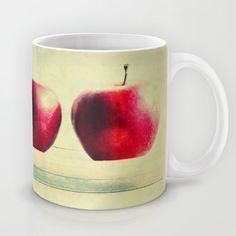 three apples Mug