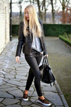 leopard shoes outfit In this article, you will check out fall fashion trends elegant winter outfits, Fall Outfits For Women. These are really cool tips for you to have a lot Style Outfits, Fall Outfits, Casual Outfits, Cute Outfits, Fashion Outfits, Casual Sunday Outfit, Black Slip On Sneakers Outfit, Short Boots Outfit, Grey Skinny Jeans Outfit