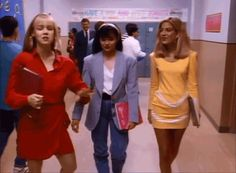These Fashion GIFs Will Transport You Straight To The '90s
