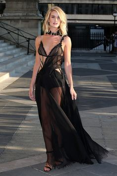 Rosie Huntington-Whiteley in Atelier Versace, 2015