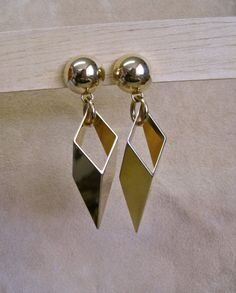 Fabulous Modernist Vintage 70s Clip On Dangle Earrings Geometric Trend Triangles Oversized STUNNING Shiny Gold Tone