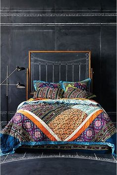 I WANT this quilt!! Anyone have any idea of where it's from??