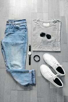 Perfect Capsule Wardrobe Outfit. Download Capsule Wardrobe Guide