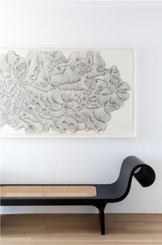 Marquesa bench designed by Oscar Niemeyer available at ESPASSO. Midcentury modern and contemporary Brazilian design. Oscar Niemeyer, Bench Furniture, Find Furniture, Furniture Design, Contemporary Interior Design, Home Interior Design, Interior Doors, Contemporary Benches, Lounges