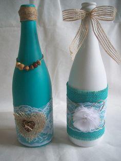 Garrafas Decoradas Diversas | Mi Artesanatos Coisas que Faço | Elo7                                                                                                                                                                                 Mais Wine Bottle Art, Diy Bottle, Wine Bottle Crafts, Jar Crafts, Yarn Bottles, Bottles And Jars, Empty Bottles, Recycled Decor, Decorated Wine Glasses