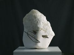 Stone with wire (marble/calcit crystal and iron)