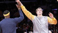 Brooklyn : Timofey Mozgov ménagé… ou écarté ? -  Comme aux Lakers la saison passée, Timofey Mozgov se retrouve assis au bout du banc des Nets. Une nouvelle saison galère pour le Russe dont le profil ne colle pas… Lire la suite»  http://www.basketusa.com/wp-content/uploads/2017/11/timofey-mozgov-itw-570x325.jpg - Par http://www.78682homes.com/brooklyn-timofey-mozgov-menage-ou-ecarte homms2013 sur 78682 homes #Basket