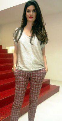 Tufi Duek Printed Pants, Capri Pants, Casual Outfits, Celebrity, Colors, T Shirt, Style, Fashion, Style Inspiration