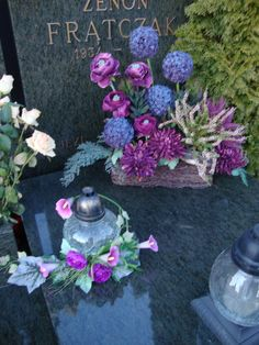 . Grave Flowers, Funeral Flowers, Wedding Flowers, Funeral Flower Arrangements, Floral Arrangements, All Saints Day, Black Flowers, Ikebana, Flower Decorations