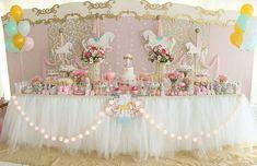 101 fiestas: Una fiesta de Carrusel para Mi Primer Año Carnival Themed Party, Carnival Themes, Party Themes, Party Ideas, Carousel Party, Carousel Birthday, Unicorn Birthday Parties, Unicorn Party, Outdoor Parties