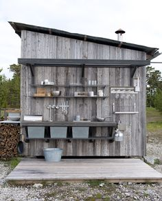 Villa Furillen, Gotland – M.Arkitektur Villa Furillen, Gotland – M. Outdoor Sinks, Outdoor Rooms, Outdoor Living, Simple Outdoor Kitchen, Outdoor Kitchen Design, Shed Exterior Ideas, Garden Sink, Villa, Summer Kitchen