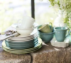 #mint Cambria Dinnerware http://rstyle.me/n/exwi9r9te