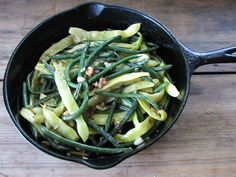 Sauteed Beans with Garlic and Roasted Hazelnuts