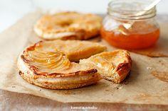 Tarta z jabłkami na cieście francuskim