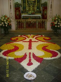 Semana Santa, Sardoal, Portugal Studio Background Images, Flower Rangoli, Celebration Around The World, Plant Art, Magic Book, Halloween Disfraces, Arte Floral, Rangoli Designs, Floral Arrangements