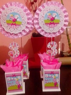 Centros de mesa Peppa Pig - Dale Detalles 5th Birthday Party Ideas, Girl Birthday Themes, Pig Birthday Cakes, Baby Birthday, Pepper Pig Party Ideas, Aniversario Peppa Pig, Cumple Peppa Pig, Pig Crafts, Diy Party
