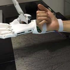 Youbionic Test Muscle sensor control #youbionic #bionic #hand #robot #design #DIY #industrialdesign #prosthetic #prosthetics #prosthesis #3dprinting #3dprint #3dprinted #cosplay #cyborg #mechatronics #medical #biomedical #technology #new #future #ironman #maker #makers #arduino #RaspberryPi #mechanics #render #animation by youbionic