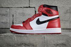 pretty nice 8324d 96942 Nike Air Jordan 1 Retro High OG Banned Chicago White Black Varsity Red  555088-101