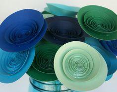 Fiori di carta in blu e verdi; Ocean ispirato centrotavola con fiori di carta medio; Sirena moderna; Beach House Decor; Decorazione nautica