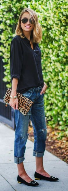 Women Clothing Street style jeans and blouse top. Leoprint bag and these shoes I would not wear Great selection at divafashion. Look over Women Clothing Source : Street style Jeans und Bluse top. Summer Work Outfits, Casual Work Outfits, Work Casual, Casual Chic, Dress Casual, Casual Jeans, Classy Chic, Casual Shoes, Spring Outfits
