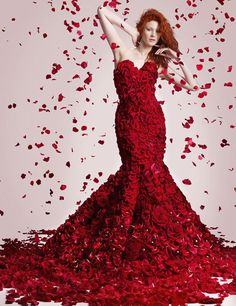 Stunning flower dress created by Joe Massie for Valentine's Day | Flowerona