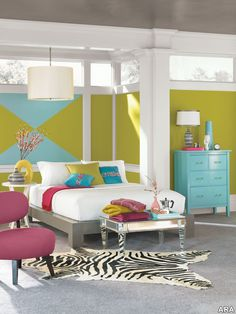 10 Bedroom Paint Colors: Find Your Perfect Palette Red Room Decor, Blue Bedroom Decor, Bedroom Decor For Teen Girls, Bedroom Paint Colors, Colourful Bedroom, Colorful Rooms, Colorful Decor, Bedroom Ideas, Palette