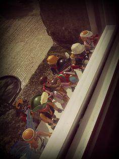 5. Derrière une fenêtre 'ZombiesPlaymo'. Malou  #Playmobil
