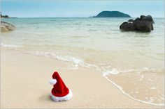weihnachtsmann am strand - Bing images Tropical Christmas Ornaments, Beach Christmas, Christmas 2014, Christmas Cards, Winter Beach, Tropical Style, Travel Inspiration, Bing Images, Beautiful Places